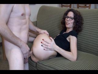Зрелая жена не против участия в домашнем порно видео